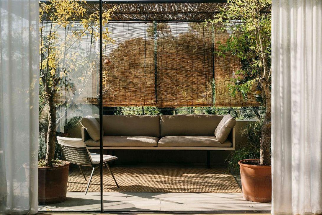 Best Minimalist Furniture Design Ideas For Your Outdoor Area 37