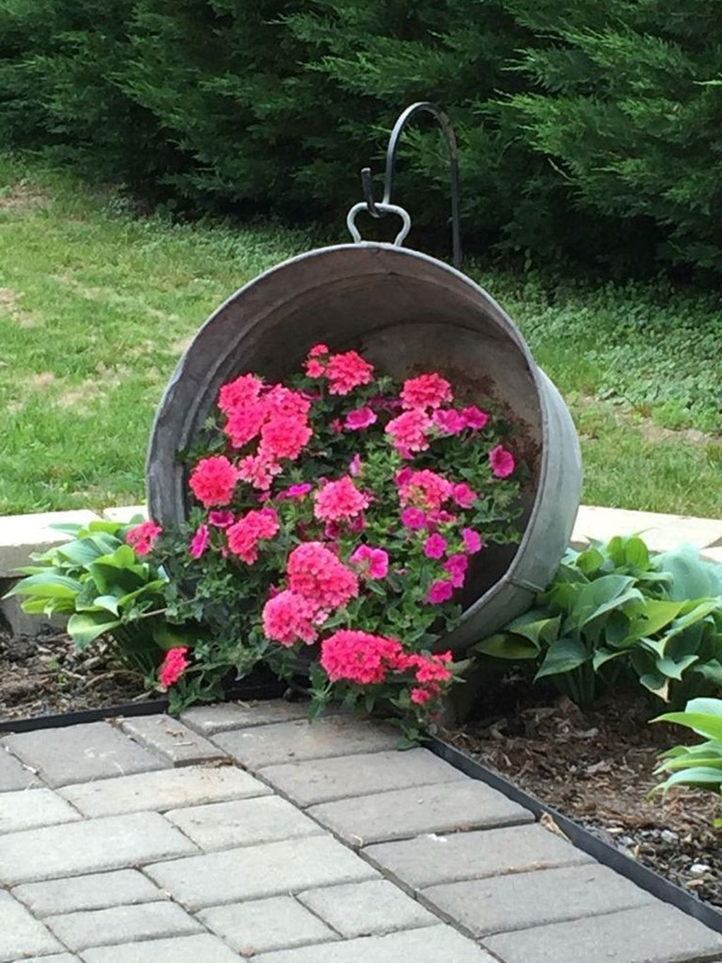 Excellent Backyard Landscaping Ideas That Looks Cool 15