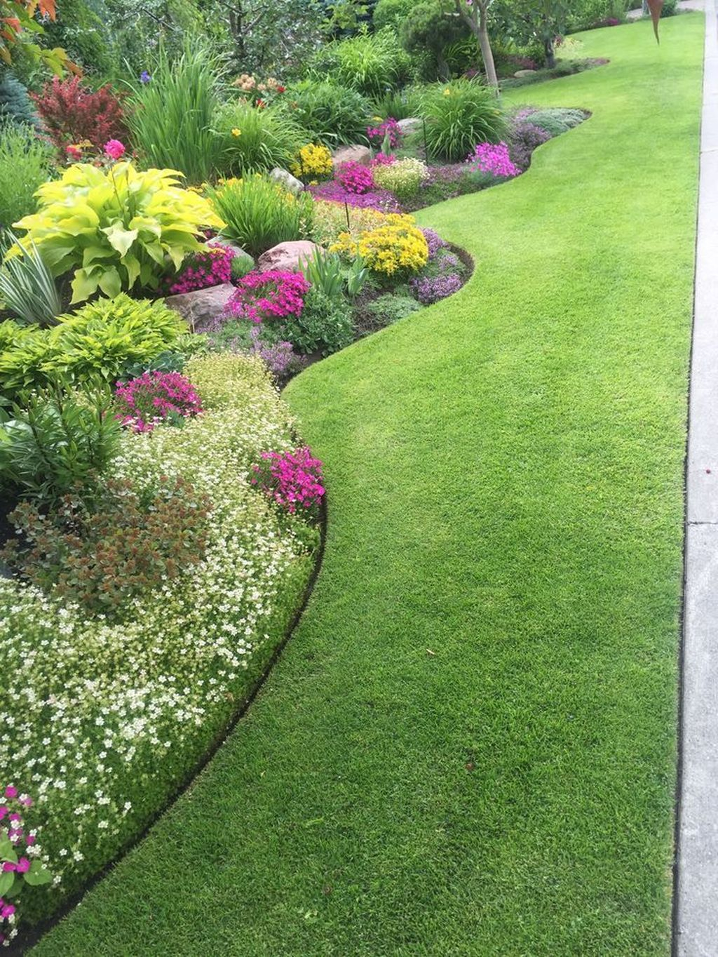 Excellent Backyard Landscaping Ideas That Looks Cool 36