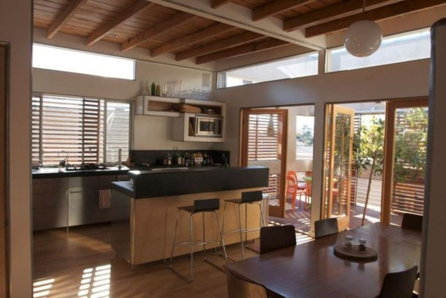 Hottest Wood Kitchen Set Design Ideas That You Can Try 25