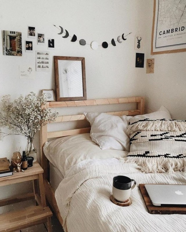Lovely Bedroom Design Ideas That Make You More Relaxed 17