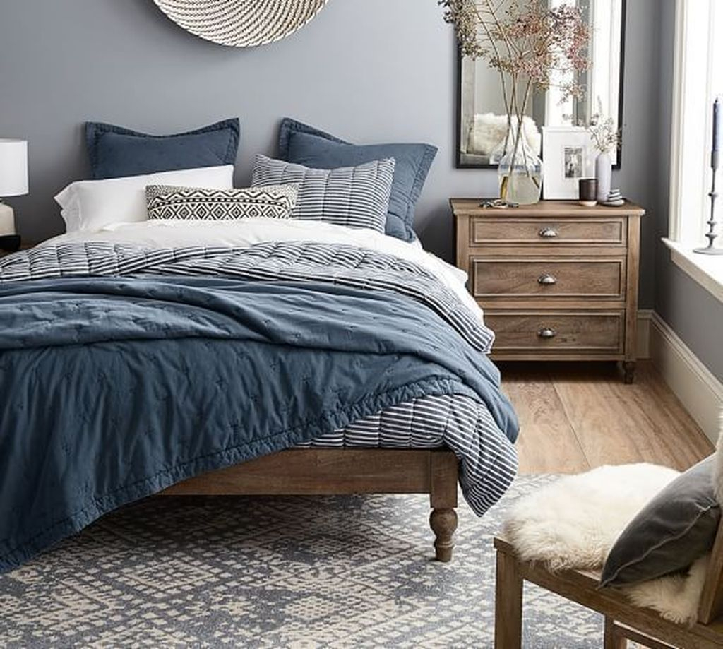 Lovely Bedroom Design Ideas That Make You More Relaxed 34