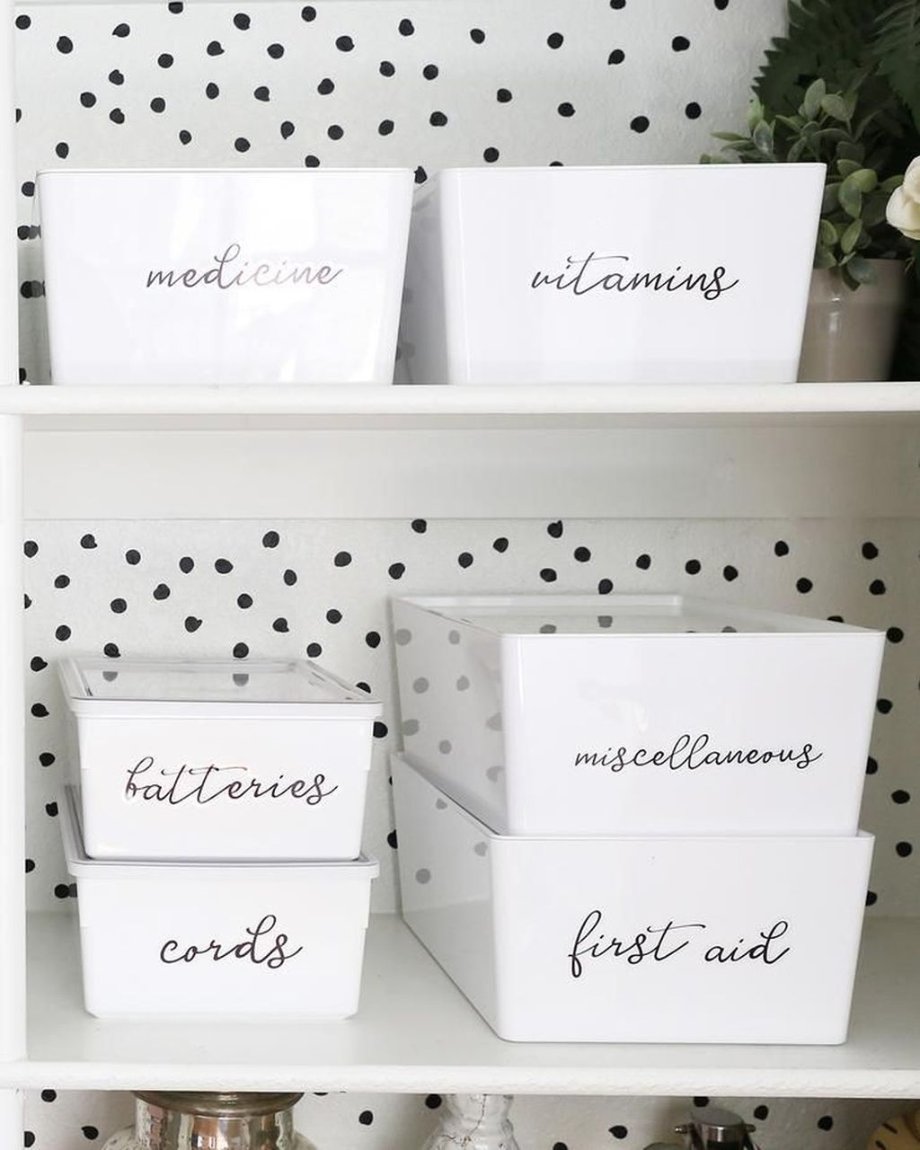 Smart Linen Closet Organization Makeover Ideas To Try This Year 36