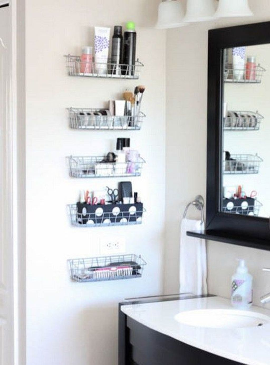 Spectacular Small Bathroom Organization Tips Ideas To Try Now 21