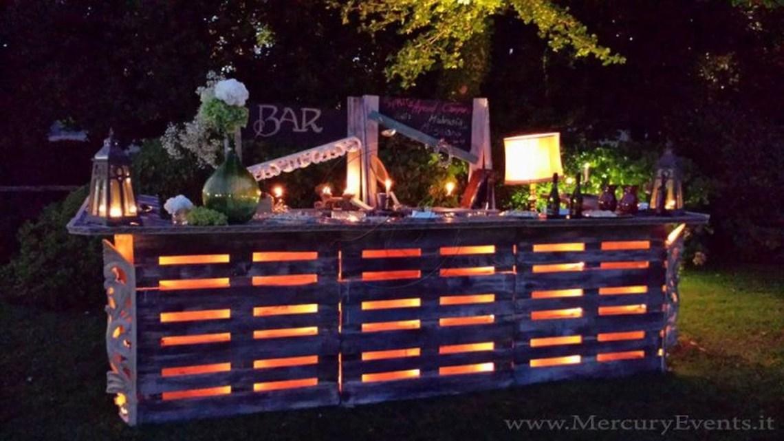 Trendy Pallet Mini Bar Design Ideas To Try 02