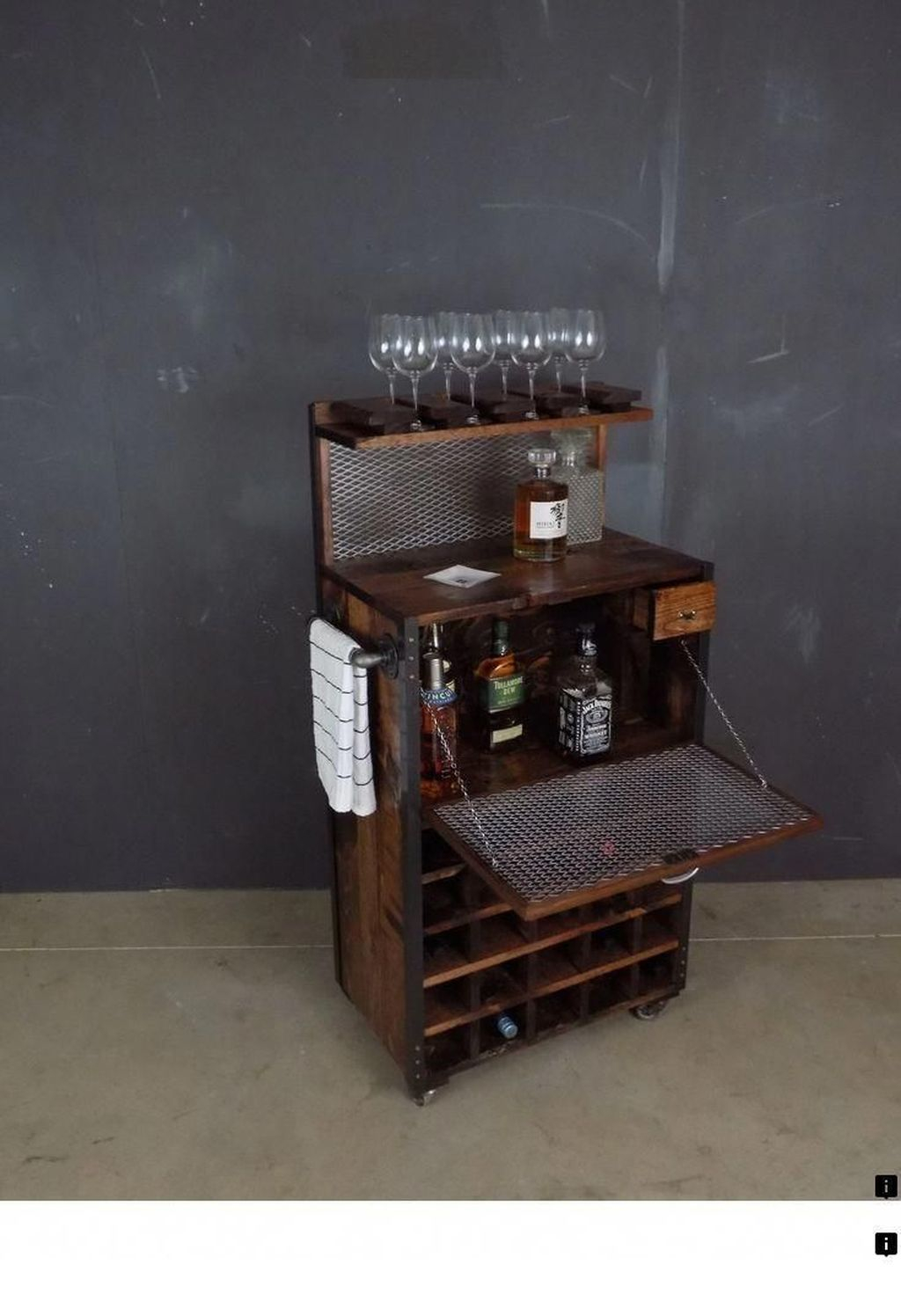 Trendy Pallet Mini Bar Design Ideas To Try 28