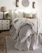 Vintage Farmhouse Bedroom Decor Ideas On A Budget To Try 01