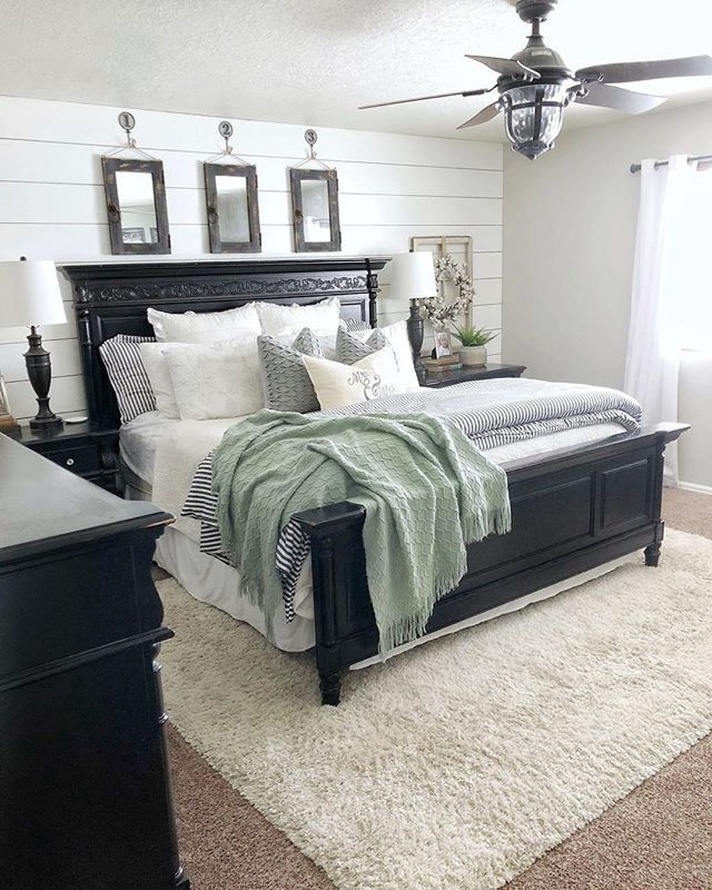 Vintage Farmhouse Bedroom Decor Ideas On A Budget To Try 02