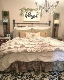 Vintage Farmhouse Bedroom Decor Ideas On A Budget To Try 05