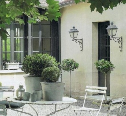 Captivating French Country Patio Ideas That Make Your Flat Look Great 16