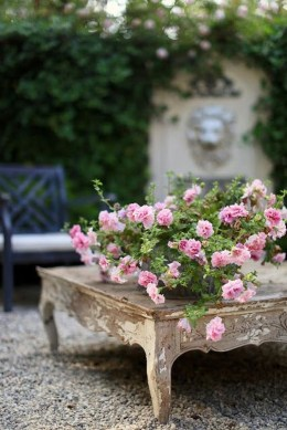 Captivating French Country Patio Ideas That Make Your Flat Look Great 31