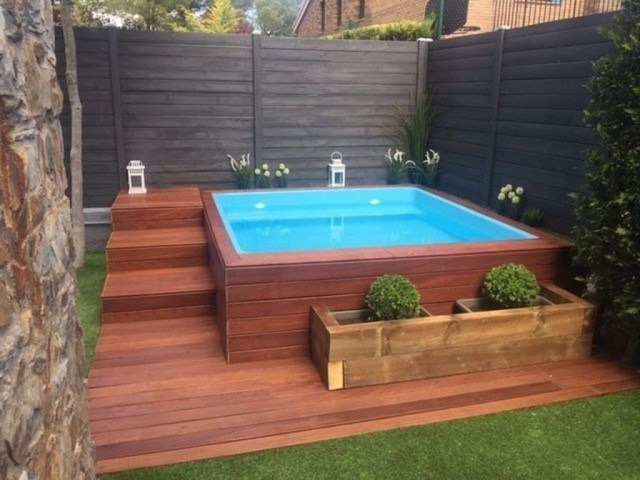 Excellent Small Swimming Pools Ideas For Small Backyards 09