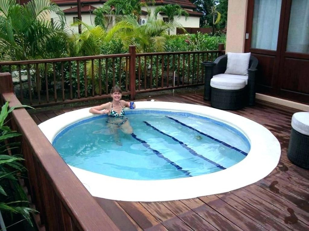 Excellent Small Swimming Pools Ideas For Small Backyards 28