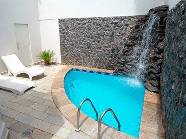 Excellent Small Swimming Pools Ideas For Small Backyards 31