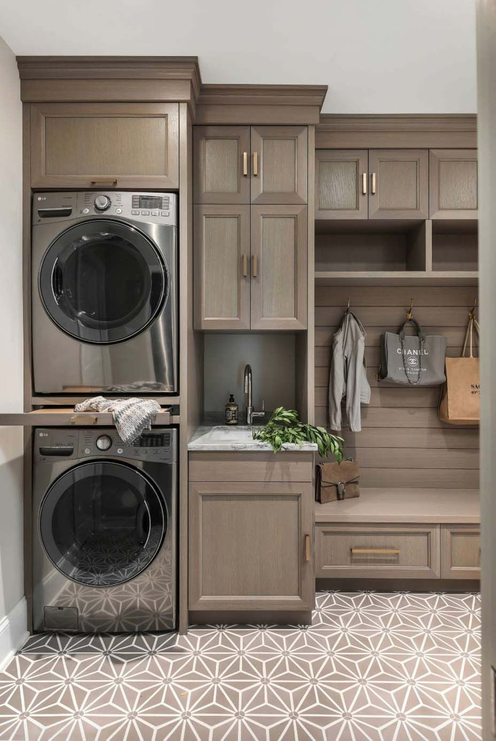 Favored Laundry Room Organization Ideas To Try 07