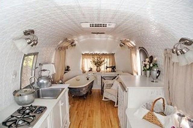 Impressive Airstream Interior Design Ideas To Try 04