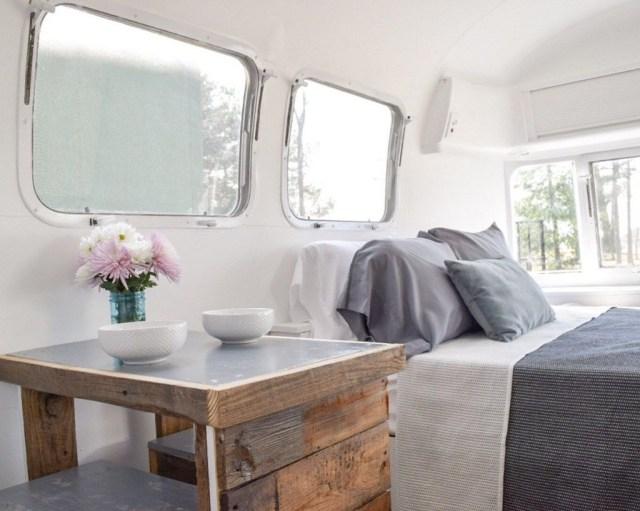 Impressive Airstream Interior Design Ideas To Try 34