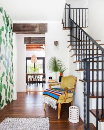 Perfect Bohemian Hallway Design Ideas To Inspire Today 21