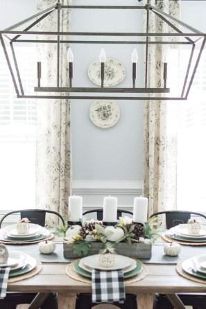 Adorable Fall Farmhouse Dining Room Decor Ideas 34
