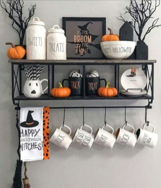 Attractive Fall Decor Ideas For Your Apartment To Try This Year 18