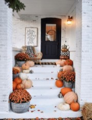 Attractive Fall Decor Ideas For Your Apartment To Try This Year 22