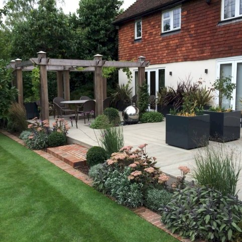 Beautiful Cottage Garden Ideas For Outdoor Space 02