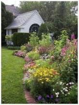 Beautiful Cottage Garden Ideas For Outdoor Space 19