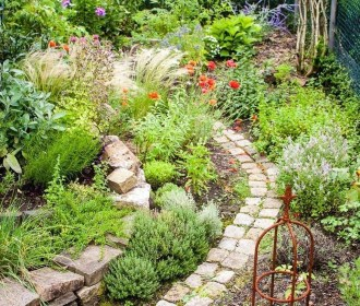 Beautiful Cottage Garden Ideas For Outdoor Space 32