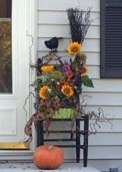Beautiful Fall Porch Decor Ideas That Looks Modern 03