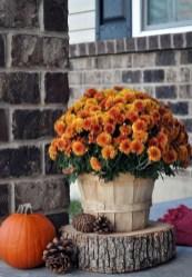 Beautiful Fall Porch Decor Ideas That Looks Modern 05