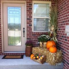 Beautiful Fall Porch Decor Ideas That Looks Modern 26