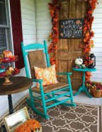 Beautiful Fall Porch Decor Ideas That Looks Modern 30