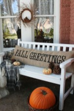 Beautiful Fall Porch Decor Ideas That Looks Modern 36