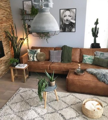 Casual Living Room Wall Decor Ideas That Looks Cool 10