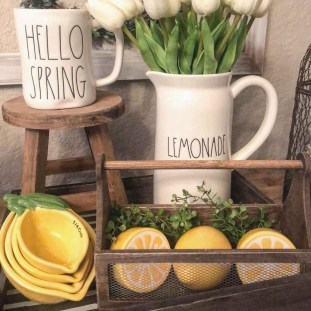Elegant Summer Farmhouse Decor Ideas For Home 26