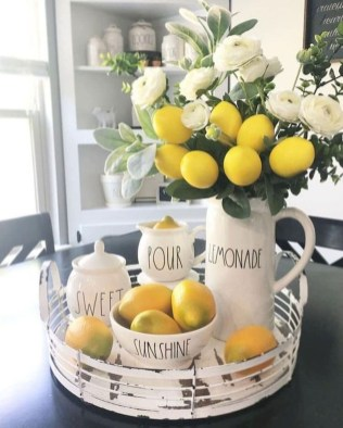 Elegant Summer Farmhouse Decor Ideas For Home 34
