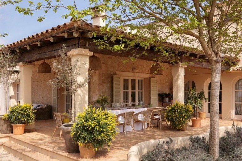 Extraordinary Mediterranean Patio Design Ideas To Try Now 15