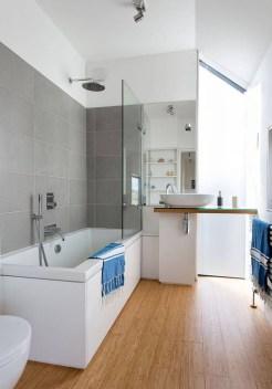Marvelous Bathroom Design Ideas With Small Tubs 05