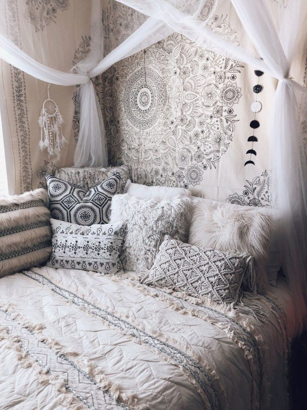 Best Witchy Apartment Bedroom Design To Try Asap02