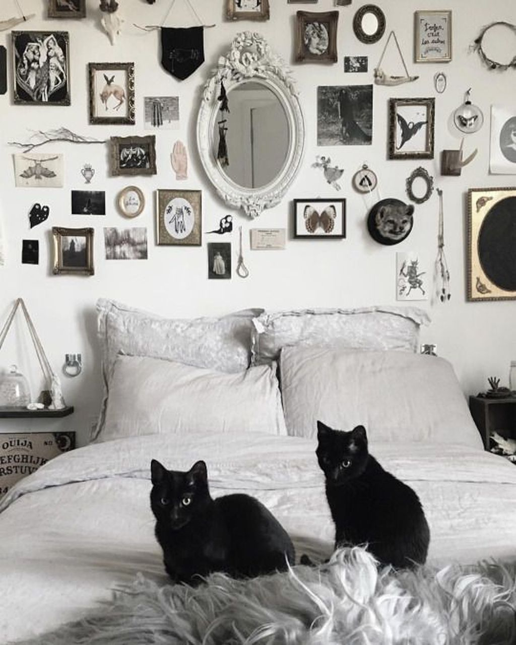 Best Witchy Apartment Bedroom Design To Try Asap20