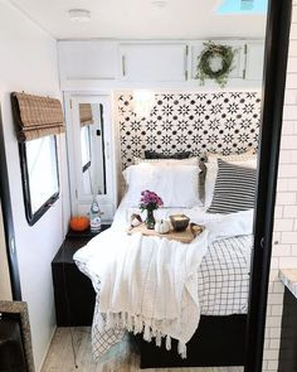 Brilliant Organize Ideas For First Rv Living Design To Try Asap35