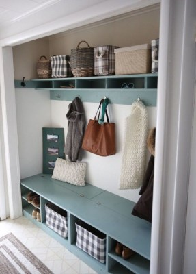 Delightful Mudroom Storage Design Ideas To Have Soon33