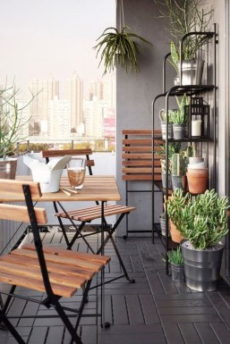 Impressive Fall Apartment Balcony Decorating Ideas To Try16