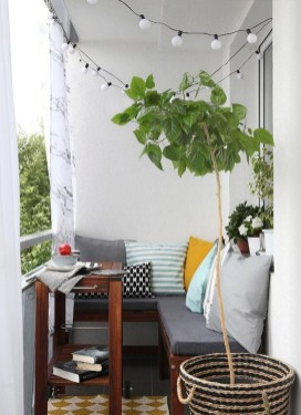 Impressive Fall Apartment Balcony Decorating Ideas To Try33