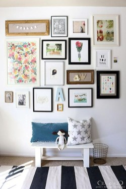 Popular Gallery Collection Wall Design Ideas To Try In The Living Room36