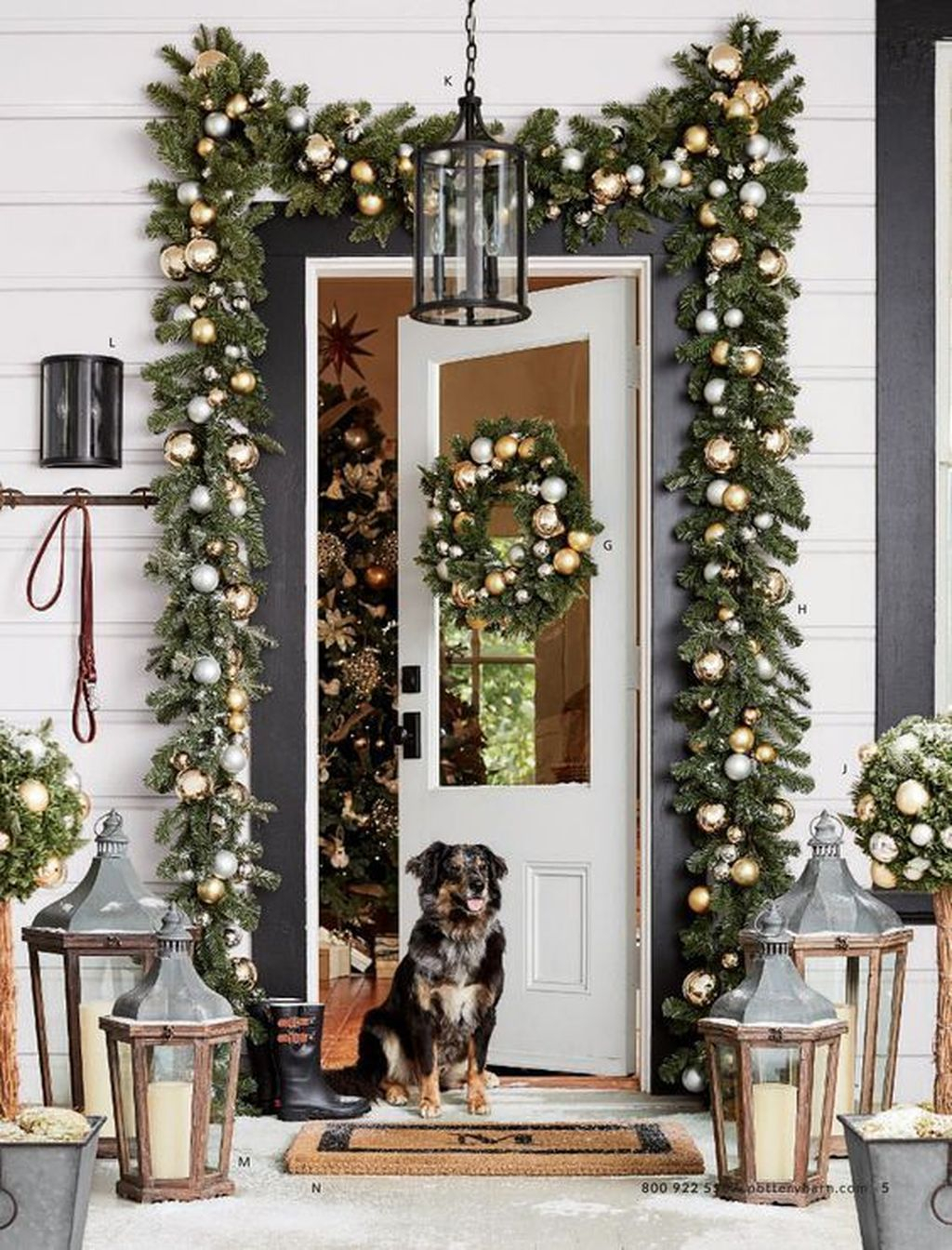 Stunning Diy Outdoor Decoration Ideas For Christmas That Looks Cool02