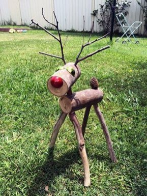 Stunning Diy Outdoor Decoration Ideas For Christmas That Looks Cool08