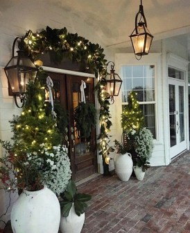 Stunning Diy Outdoor Decoration Ideas For Christmas That Looks Cool22