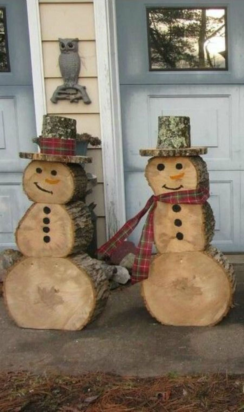 Stunning Diy Outdoor Decoration Ideas For Christmas That Looks Cool23