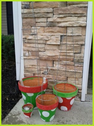 Stunning Diy Outdoor Decoration Ideas For Christmas That Looks Cool25